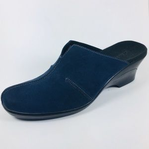 Clarks Navy Blue Suede Mules Women's  Size 9
